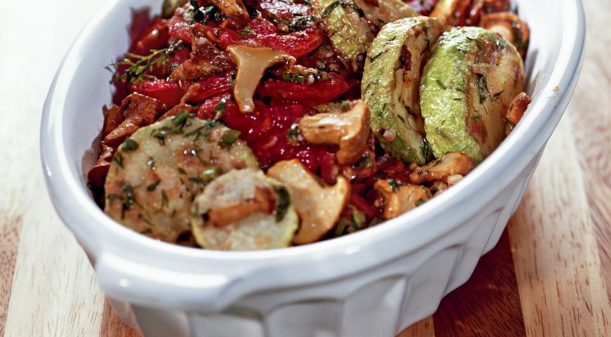 Рецепт Салат Кабачки и помидоры, консервированные с грибами