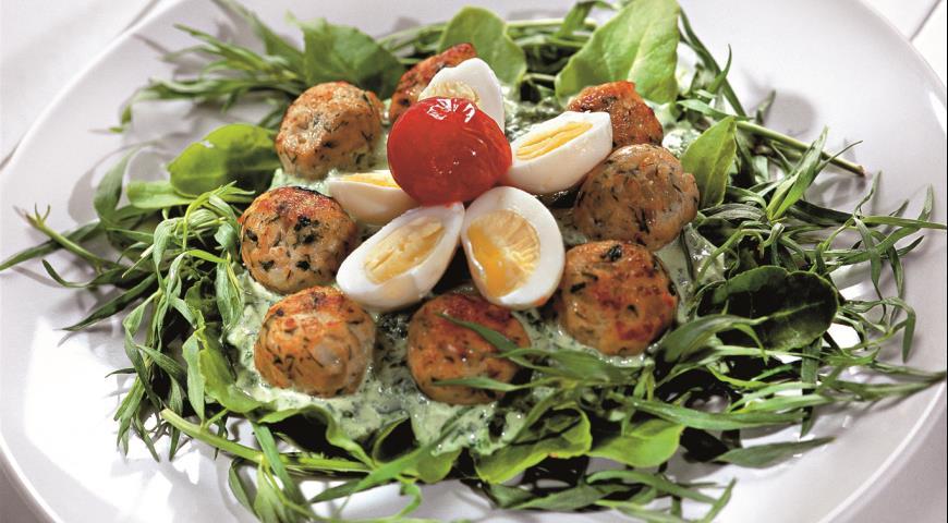 Рецепт Куриные тефтели в шпинатных гнездах
