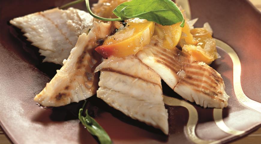 Рецепт Рыба под персиковым соусом