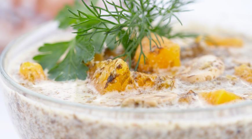 Рецепт Суп-пюре из морской капусты с грибами и тыквой