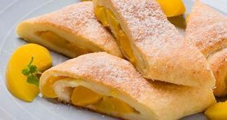 Рецепт Рулетики из творога с начинкой из персиков