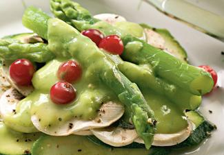 Рецепт Салат из цукини с заправкой из авокадо