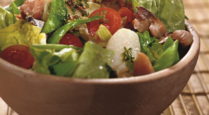 Рецепт Салат из молодого картофеля со скумбрией
