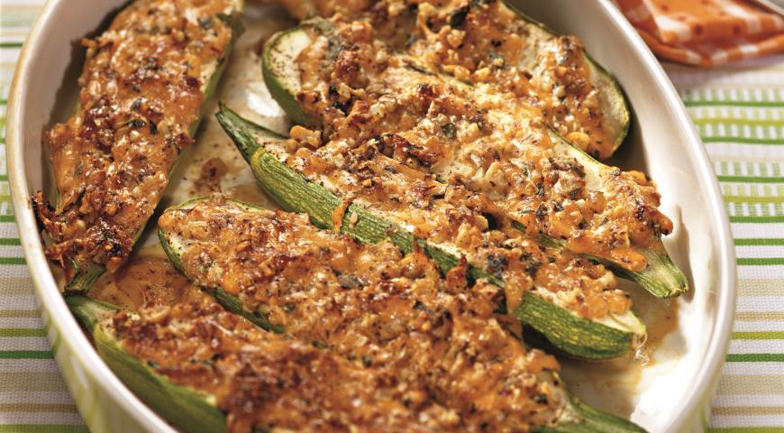 Рецепт Кабачки в орехово-мятном соусе