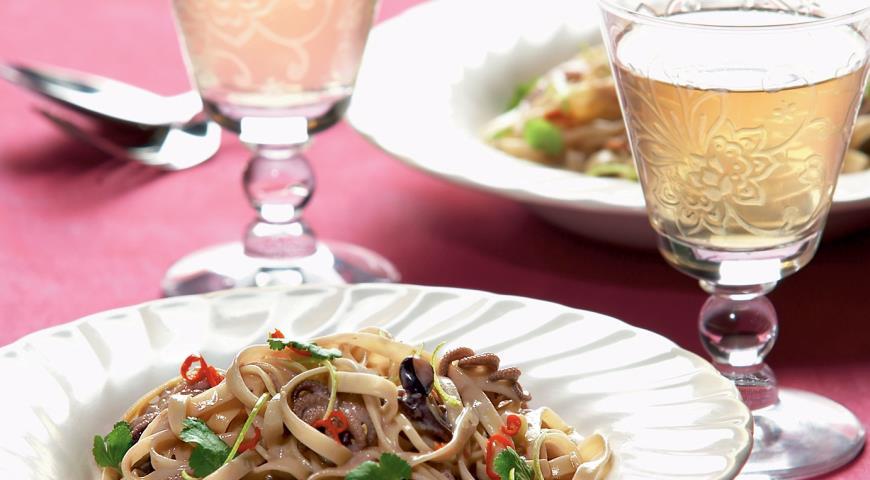 Рецепт Мини-осьминоги с лапшой в кокосовом молоке