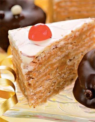 Рецепт Слоеный десерт с белой глазурью