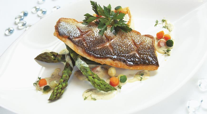 Рецепт Филе сибаса со спаржей