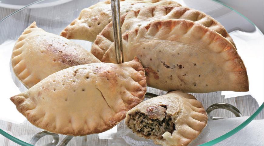 Рецепт Пирожки-кальцоне с сыром и орехами
