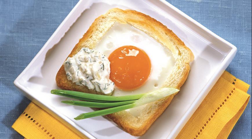 Рецепт Французские тосты с яйцом и пикантным соусом