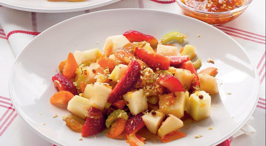 Рецепт Фруктово-овощной салат с абрикосовой заправкой