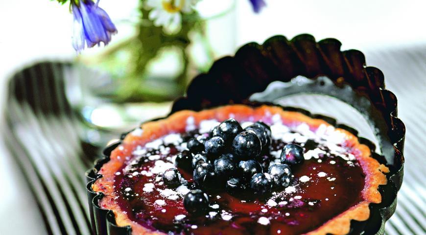 Рецепт Корзиночки из миндального теста с ванильным кремом и черникой