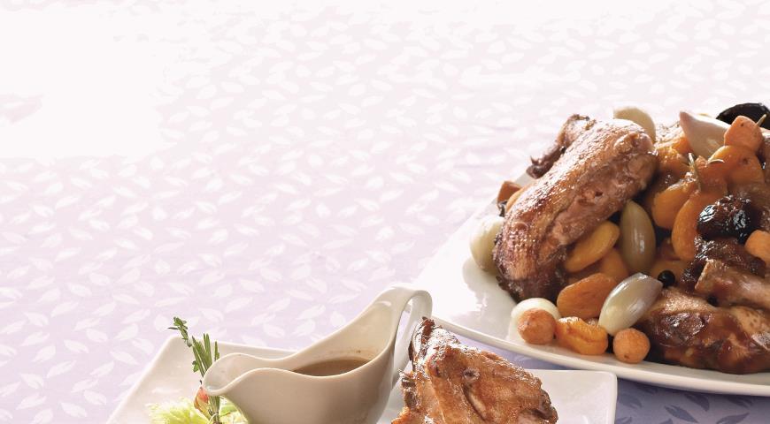 Рецепт Цыпленок в красном вине с сухофруктами
