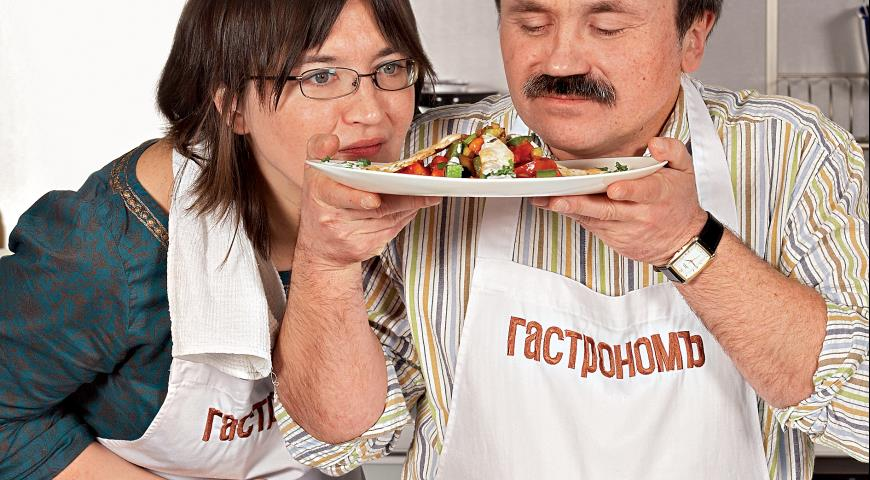 Рецепт Рататуй с курицей и йогуртовым соусом от Сергея и Анны Литвиновых