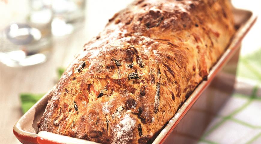 Рецепт Хлеб, испеченный с ветчиной и сыром
