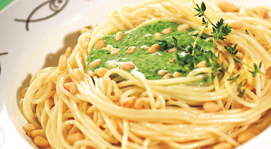 Рецепт Спагетти со шпинатом, пармезаном и брынзой