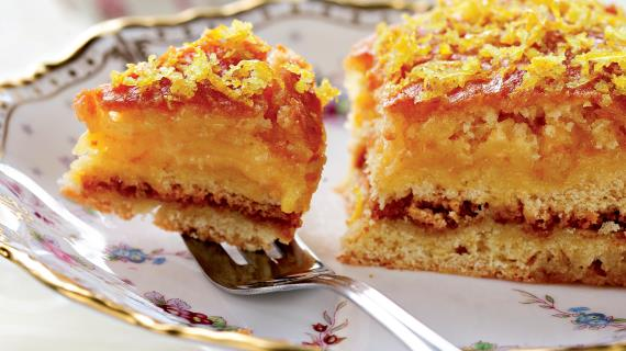 Глазированный лимонный пирог с лимонным кремом от Делии Смит
