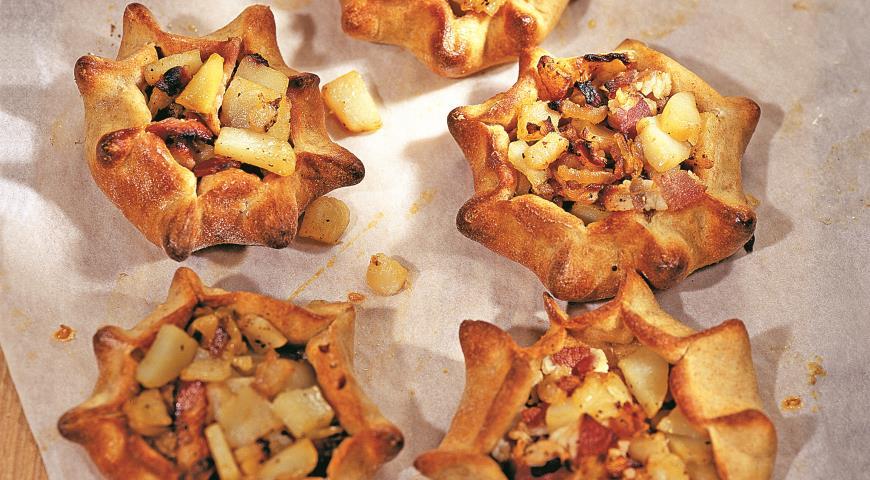 Рецепт Колядки из ржаной муки с беконом и картофелем