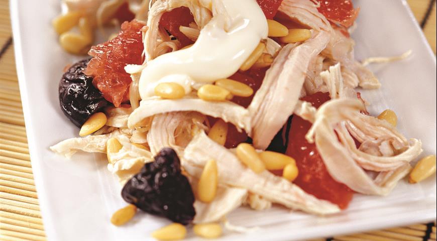 Рецепт Куриный салат с грейпфрутом