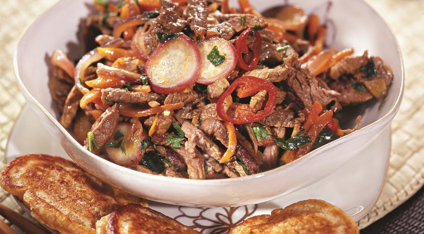 Рецепт Соте из говядины с соевыми оладьями