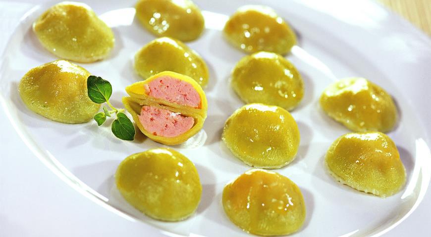 Рецепт Зеленые пельмени с лососем