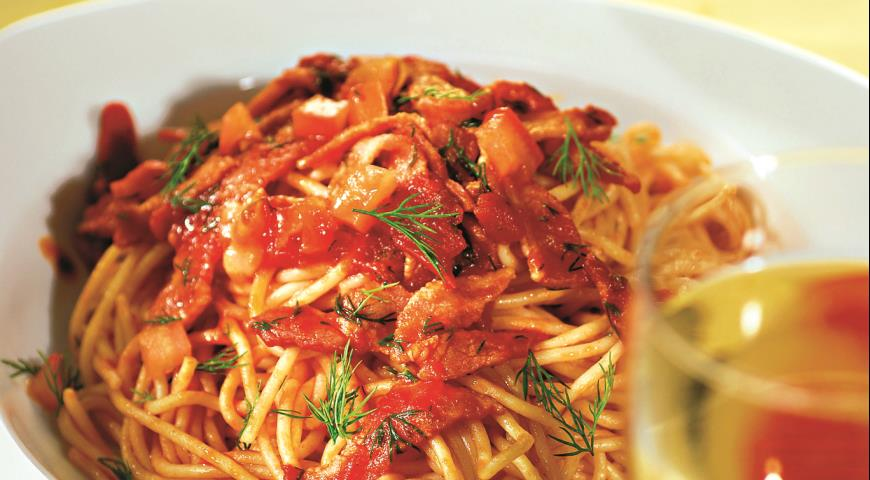 Картинки по запросу паста с колбасой в томатном соусе