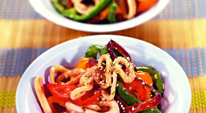 Рецепт Кольца кальмаров с овощами