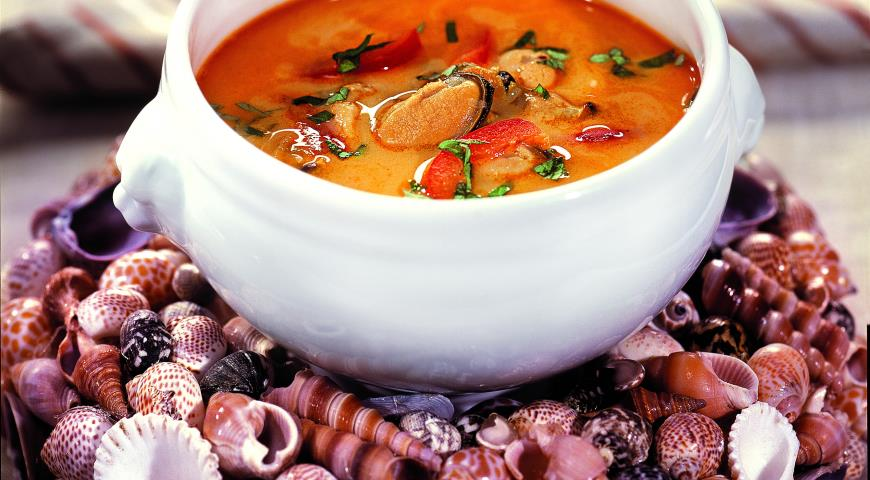 Рецепт Холодный крем-суп из мидий и креветок с карри