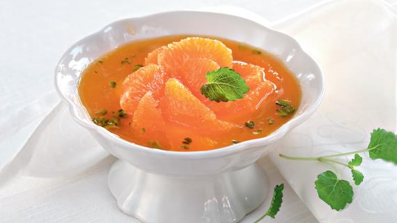 Мандариновый суп с фисташками