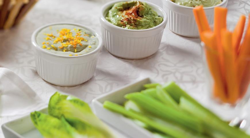 Рецепт Свежие овощи с тремя видами сырного соуса