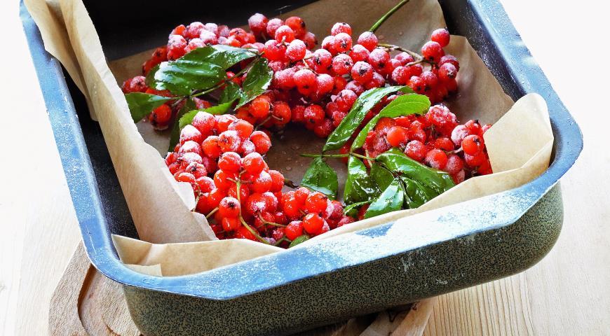 Рецепт Гроздья красноплодной рябины в сахаре