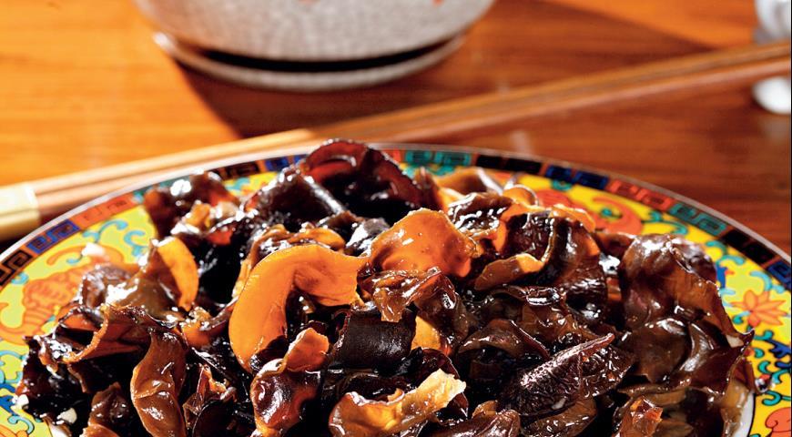 Рецепт Салат из черных грибов