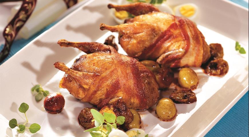 Рецепт Перепела с виноградом и перепелиными яйцами