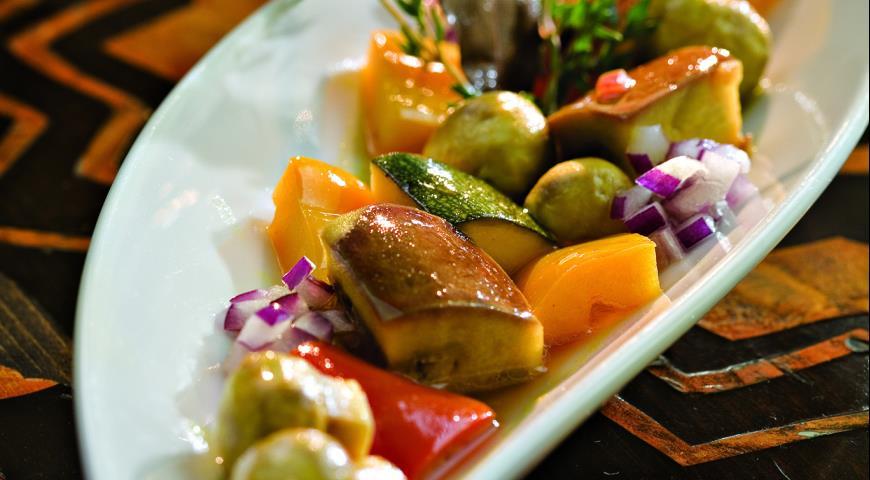 Рецепт Овощи и грибы, маринованные с шафраном
