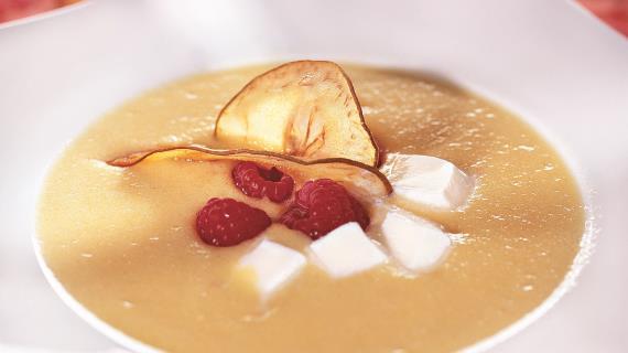 Фруктовый суп с пломбиром