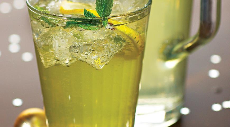 Рецепт Детский коктейль с лимоном и мятой