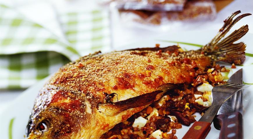 Рецепт Рыба с гречневой кашей и грибами