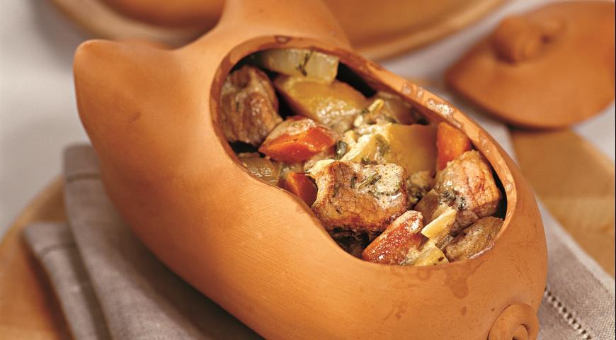 Рецепт Свинина в горшочке с овощами