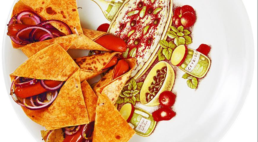 Рецепт Хот-дог с красным луком, как его готовят в Аризоне