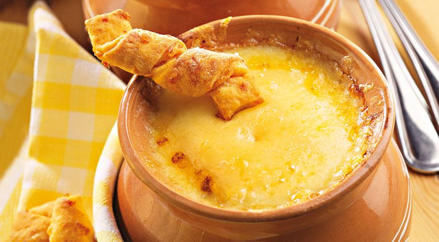Рецепт Французский луковый суп с сырными палочками