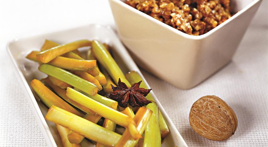 Рецепт Сельдерей в соусе из грецких орехов
