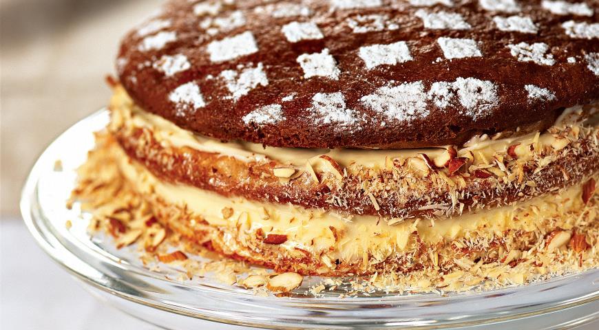 Медовый торт с бананами и сметаной