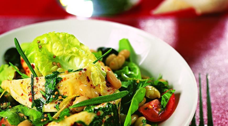 Рецепт Салат из сулугуни с фасолью