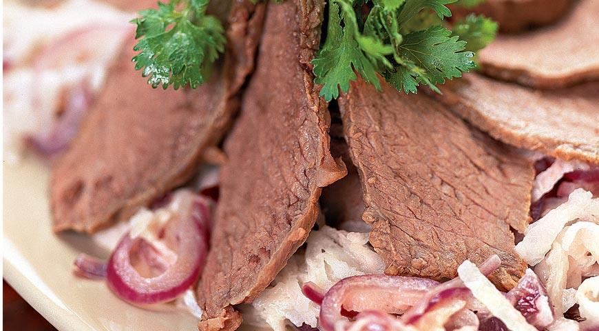 Рецепт Салат из редьки с говядиной
