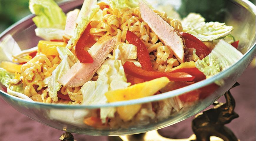 Рецепт Салат из курицы с зеленым карри