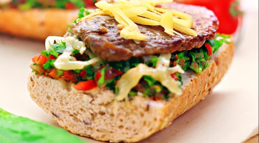 Рецепт Сэндвич с говядиной и томатной сальсой