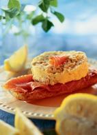 Рецепт Омлет с копченым лососем и лимоном