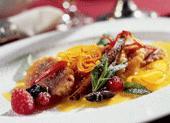 Рецепт Ягодные равиоли с соусом, корицей и апельсином
