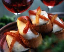 Рецепт Кростини с оливадой