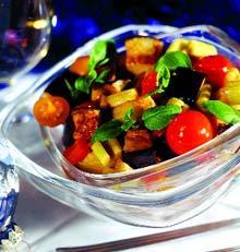Рецепт Итальянский горячий салат, приготовленный в воке