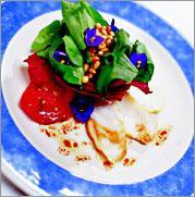 Рецепт Салат из копченого морского черта с душистой фиалкой